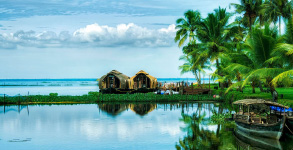 Kerala Holiday Tour 3Nights / 4days, Munnar - Kumarakom